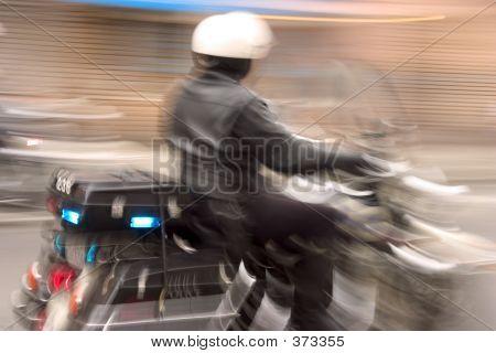 Speedy Cop