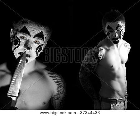 Evil Clown com uma faca