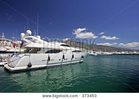 Big, Beautiful, Stunning And Luxurious White Yachts