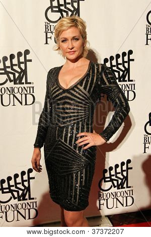 NEW YORK-SEPT. 24: Actress Amy Carlson attends the 27th annual Great Sports Legends Dinner for the Buoniconti Fund at the Waldorf-Astoria on September 24, 2012 in New York City.