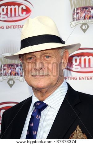 LOS ANGELES - SEP 29:  Gerald McRaney arrives at the 40th Anniversary of