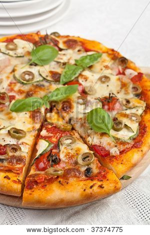 Healthy vegetables and mushrooms vegetarian pizza