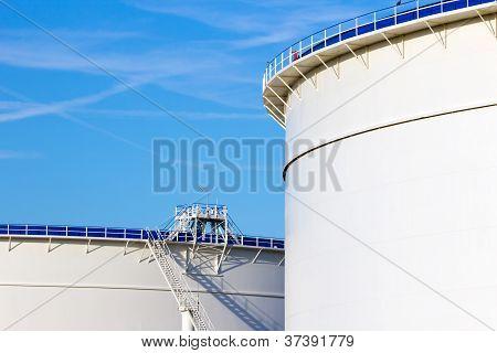 Oil Storage Silos