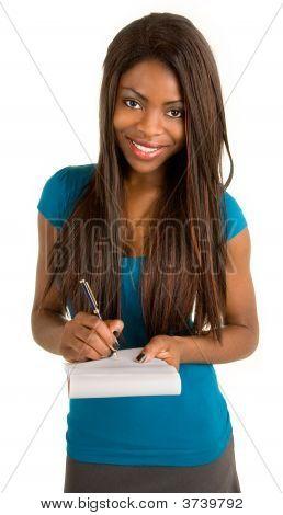 junge Afroamerikaner geschäftsfrau Aufzeichnen von Notizen