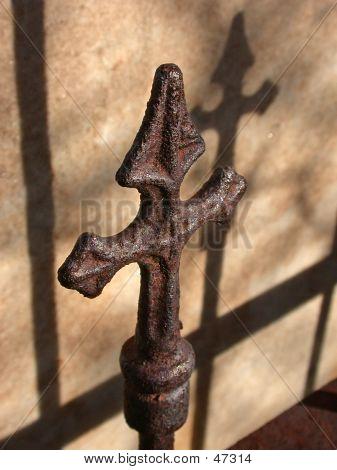 Rusty Cross (Cast)