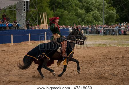 Moscow, Russia - June 22, 2013: Times And Epoch-2013 Festival In Kolomenskoye Park,. The Middle Ages