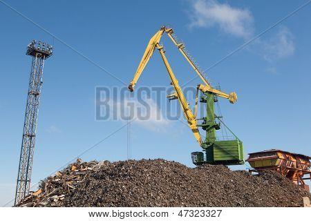 Schrott-Metall-laden