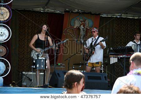BOISE, ID - 20 de ago: Participantes na turnê De Fat anual mostram no parque de Morrison de Ann oh 20 de agosto, 2