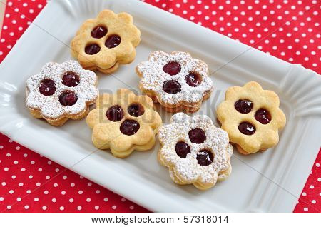 Traditional Linzer Cookies