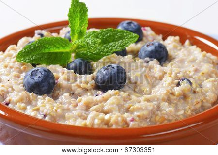 detail of cereal blueberry oatmeal