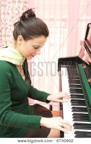 Beautiful Pianist