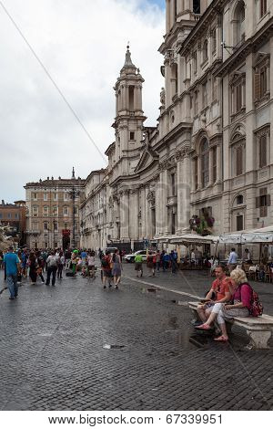 Couple On Bench In Piazza Navona