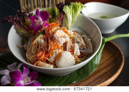 Thai Seafood Som Tum Salad With Soup