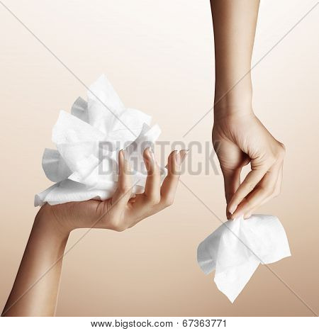 Set With Two Hand And Wipes