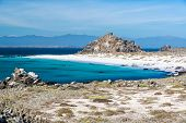 picture of shiting  - White sand beach and turquoise water at Damas Island near La Serena Chile - JPG