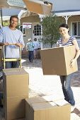 image of moving van  - Family moving house - JPG