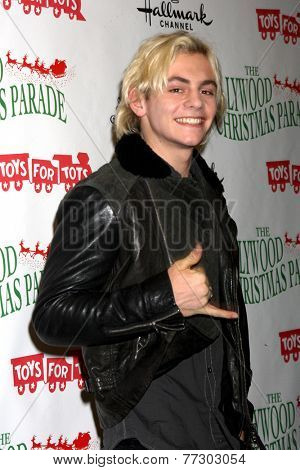LOS ANGELES - NOV 30:  Ross Lynch at the 2014 Hollywood Christmas Parade at the Hollywood Boulevard on November 30, 2014 in Los Angeles, CA