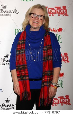 LOS ANGELES - NOV 30:  Nancy Cartwright at the 2014 Hollywood Christmas Parade at the Hollywood Boulevard on November 30, 2014 in Los Angeles, CA