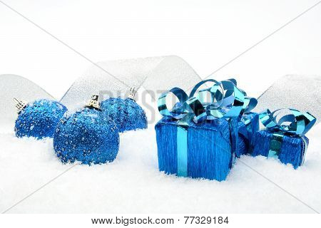Blue Christmas Gifts,baubles Silver Ribbon On Snow