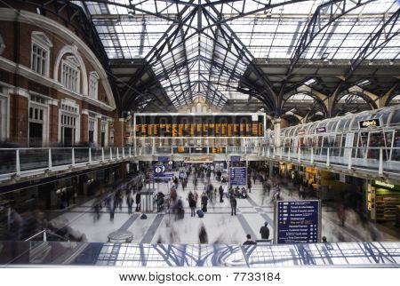 Liverpool St Station Rush