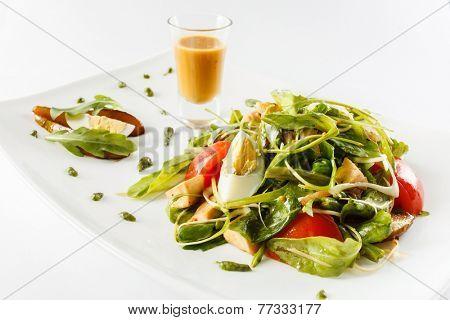salad with tahini sauce
