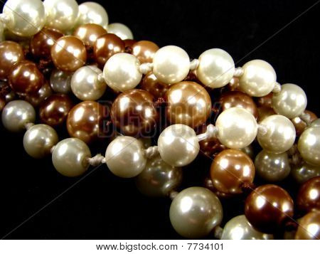 Twisted Pearl Strands