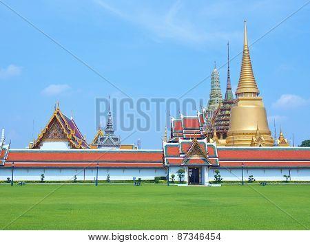 Temple of Emerald Buddha (Wat Phra Kaew)