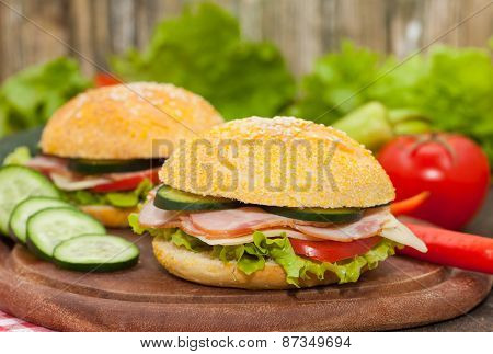 Sandwiches with ham and salad