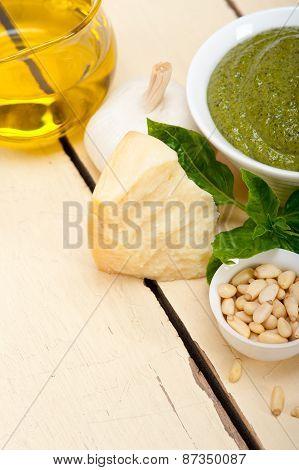 Italian Basil Pesto Sauce Ingredients