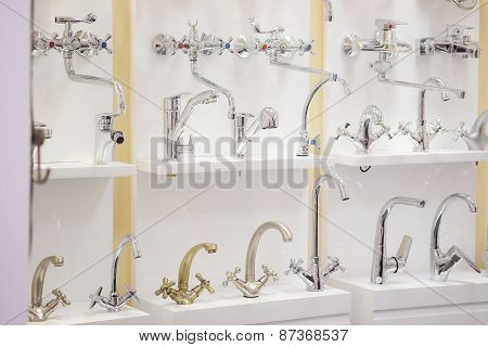 Many new taps for washbasin