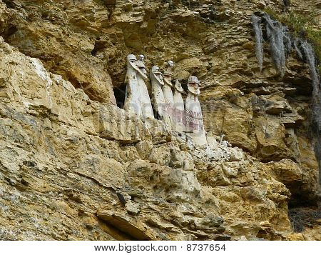 Carajia -  sarcophagi  Indians Chachapoyya.