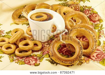 Related Bagels With Poppy And Tea