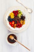 picture of quinoa  - Honey black quinoa with fruits - JPG