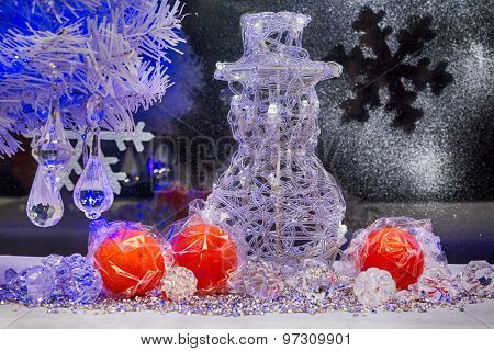 Christmas Tree, Snowman And Decoration. Wallpaper.