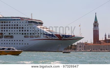 Venice, Ve - Italy. 14Th July, 2015: Huge Cruise Ship In The Canale Della Giudecca Near Saint Mark S