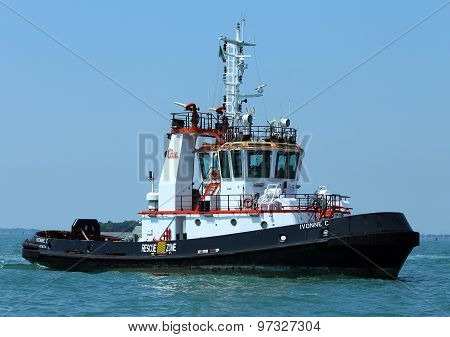 Venice, Ve - Italy. 14Th July, 2015:  Tugboat Used To Drive Large Cruise Ships Away From The Port Of