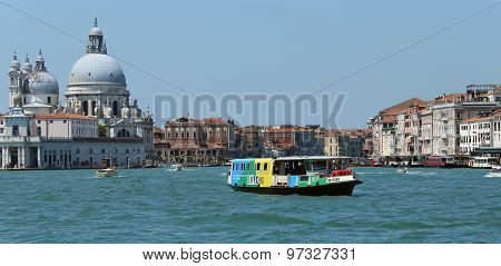 Venice, Ve - Italy. 14Th July, 2015:  Vaporetto With Expo 2015 Logo For The Transport Of Tourists In