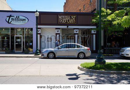 Mitchell Street Pub