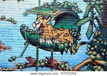 Street art Montreal tiger
