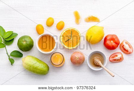 Breakfast With Orange Juice, Oranges, Oranges Slice, Passion Fruit , Ginger,tomato And Kiwi Set Up O