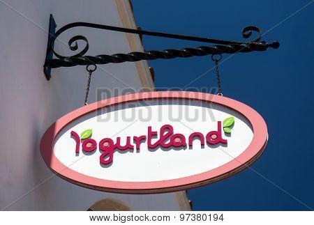 Yogurtland Store And Sign