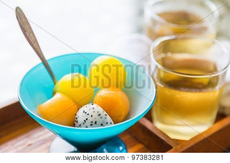 Ice tea with fruit