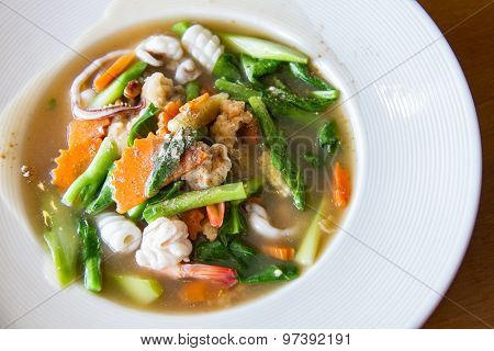 Fried noodle with seafood vegetable and broccoli