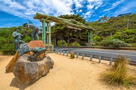 foto of inlet  - The Great Ocean Road Memorial Archway was built to commemorate the 3 - JPG