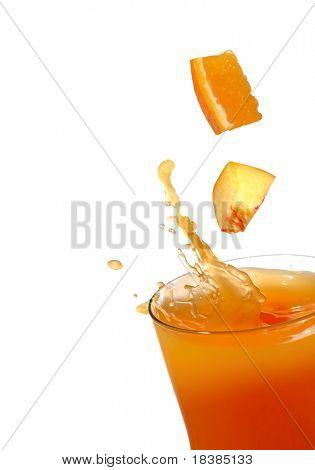 splash de jugo de naranja y melocotón