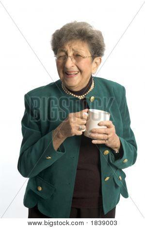 Frau mit Kaffee Tee