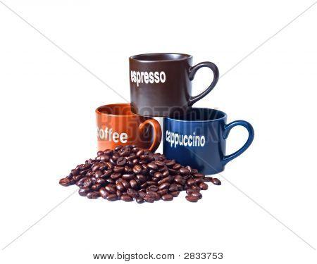 Tazas de café con granos de café