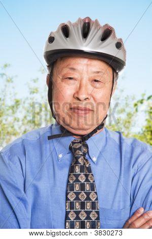Senior asiatischen Kaufmann