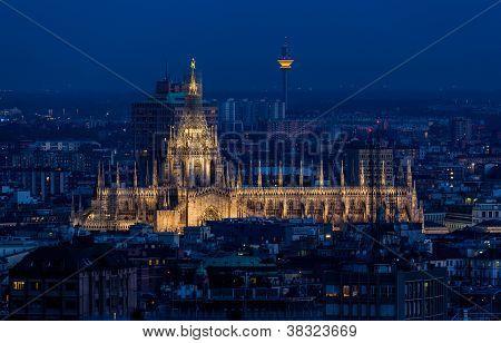 Duomo di Milano at dusk.