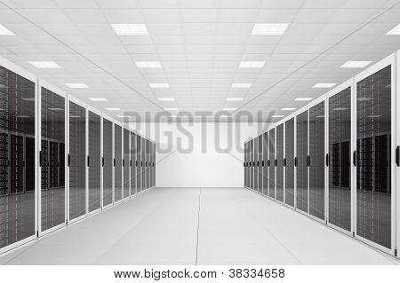 Larga hilera de Racks para servidores